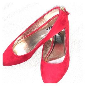 Bongo Red faux suede ballet style flats size 8